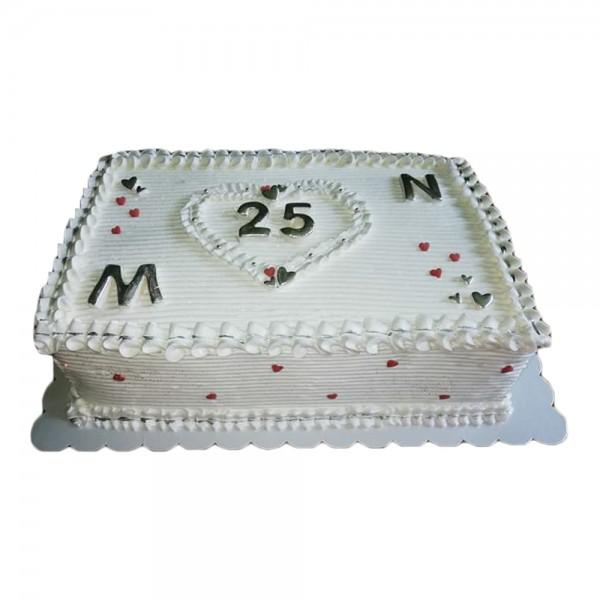 Elegantno bela rodjendanska torta