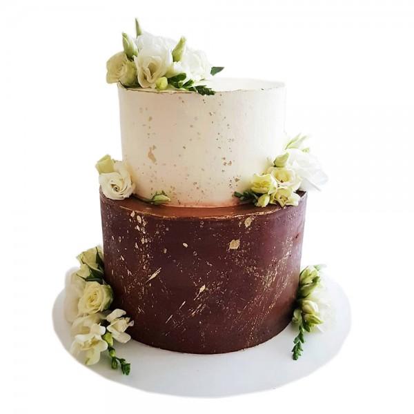 Svecana braon torta sa cvetovima
