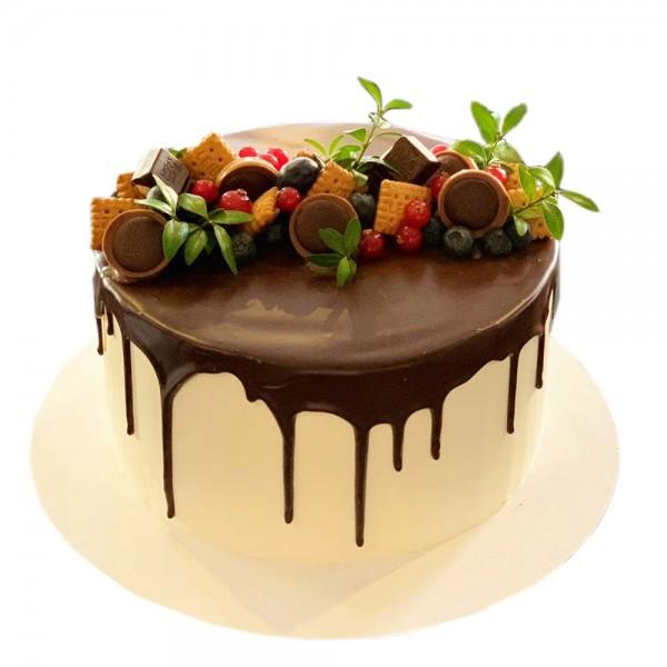 Krem torta sa keksom na vrhu