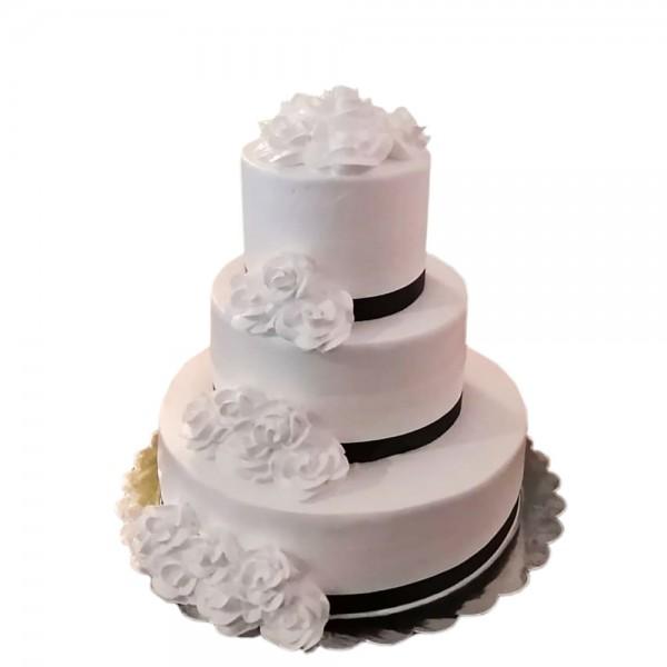 Mladenacka torta na tri nivoa Elegant