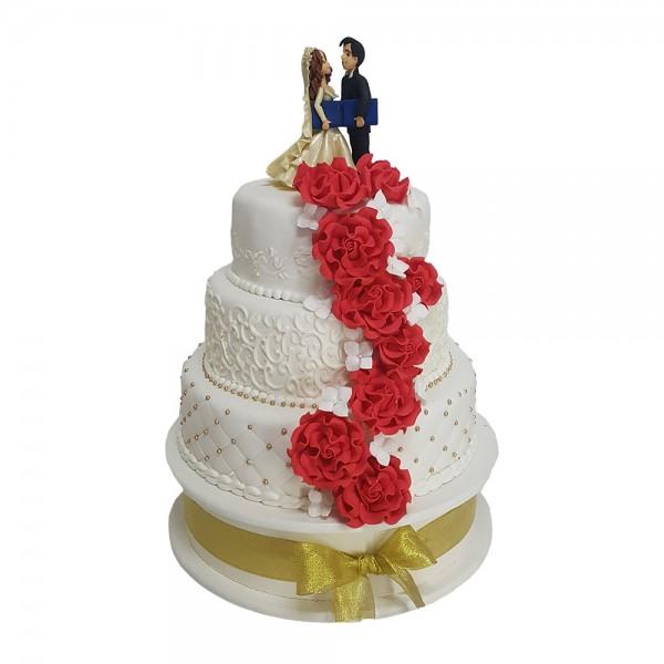 Mladenacka torta mladenci na vrhu